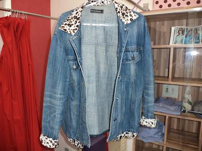 Costuras e Reformas em Geral - Customização em jaqueta jeans.