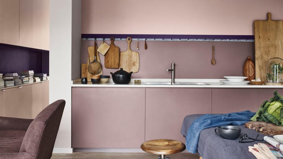 past perfect met kleurencombinaties zoals donkerblauw grijs en donker bruin ook bij een elegante en comfortabele sfeer kun je deze kleur combineren