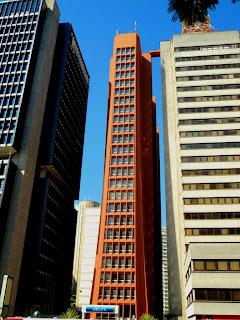 Um dos Bizarros Prédios da Paulista