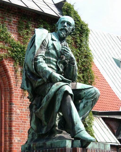 Statue of Emanuel Geibel by Hermann Volz Heilig-Geist-Kloster Lübeck