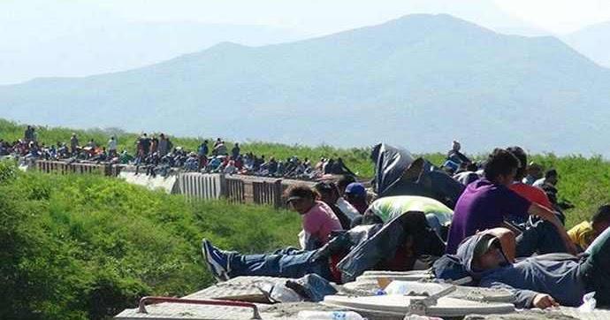 Agaton pe a se queja del muro de trump y mientras tanto for Muralla entre mexico y guatemala