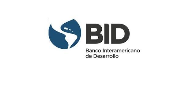 Déficit de inversiones e ineficiencias limitan el crecimiento de América Latina y el Caribe, revela informe del BID