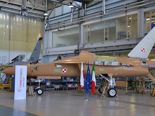 I primi due velivoli M-346 per la forza aerea polacca