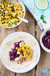Taco z rybą i salsą z mango