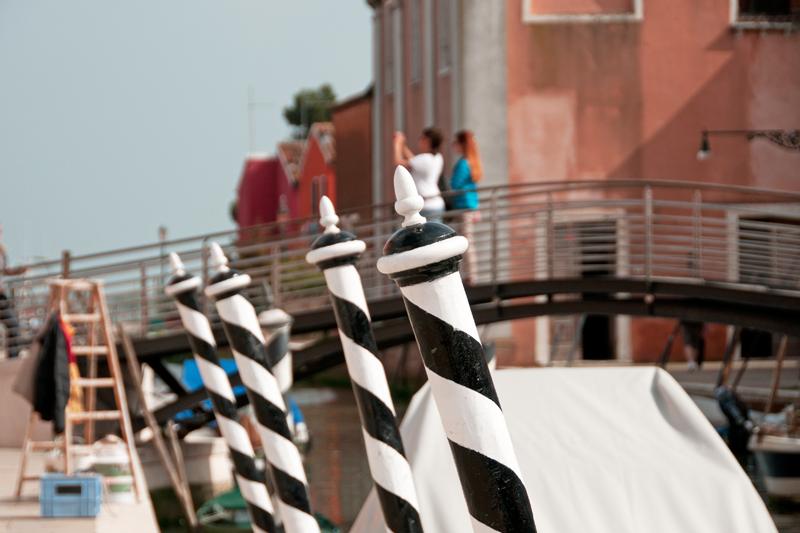 Détail du bord du canal à Burano