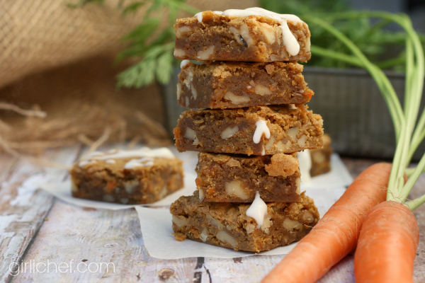 Carrot Cake Blondies inspired by Bridesmaids | #FoodnFlix