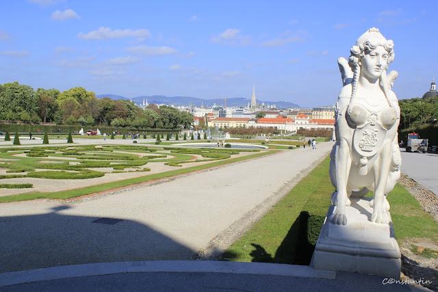 Viena, Palatul Belvedere - Curtea palatului - blog Foto-Ideea