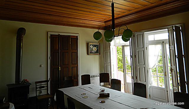 Sala de refeições da hospedaria rural Casa São Faustino de Fridão, em Amarante