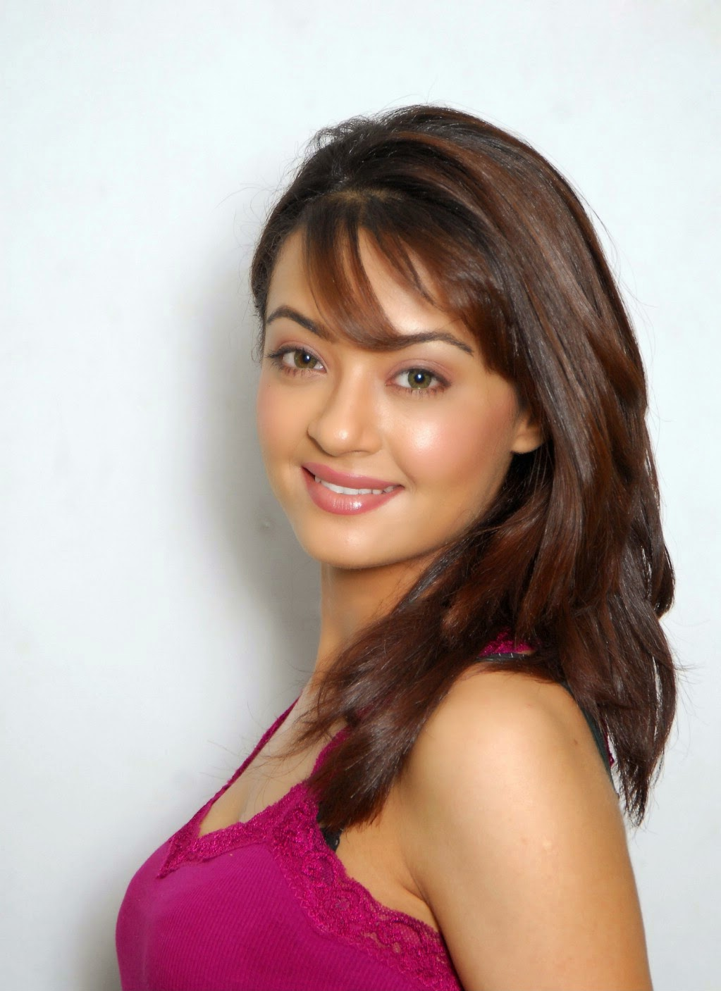 Surveen Chawla Nude Photos 25