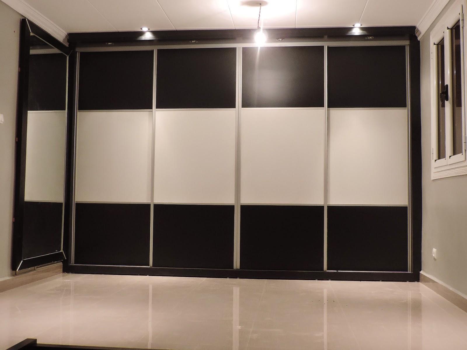 placards et dressings sur mesure placard extra large avec miroir. Black Bedroom Furniture Sets. Home Design Ideas