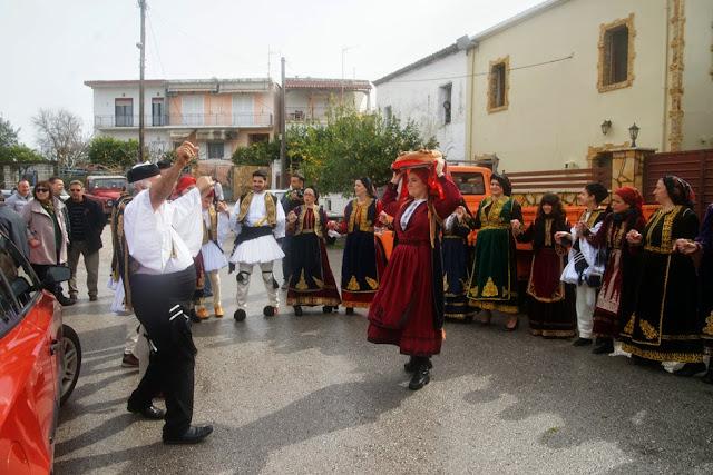 Ο αρβανίτικος παραδοσιακός γάμος ξαναζωντάνεψε την Καθαρά Δευτέρα στο Καστρί Ηγουμενίτσας