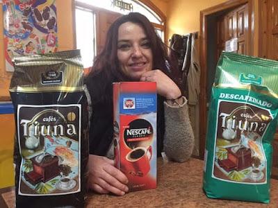 Cervecería El Palau, Dora, café, Tiuna, ti una cullereta per al café  Bosé: ..... me sabe hacer café 😀