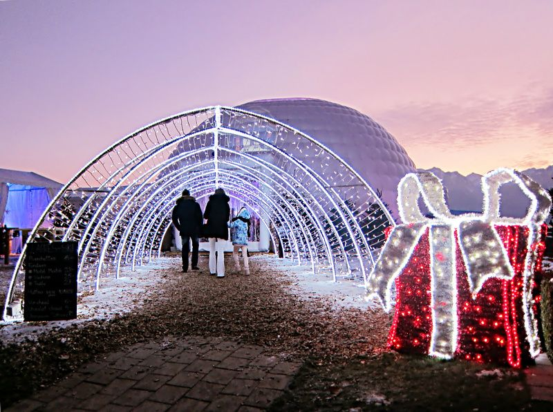 4-Day Montreux Christmas Vacation Package from Geneva