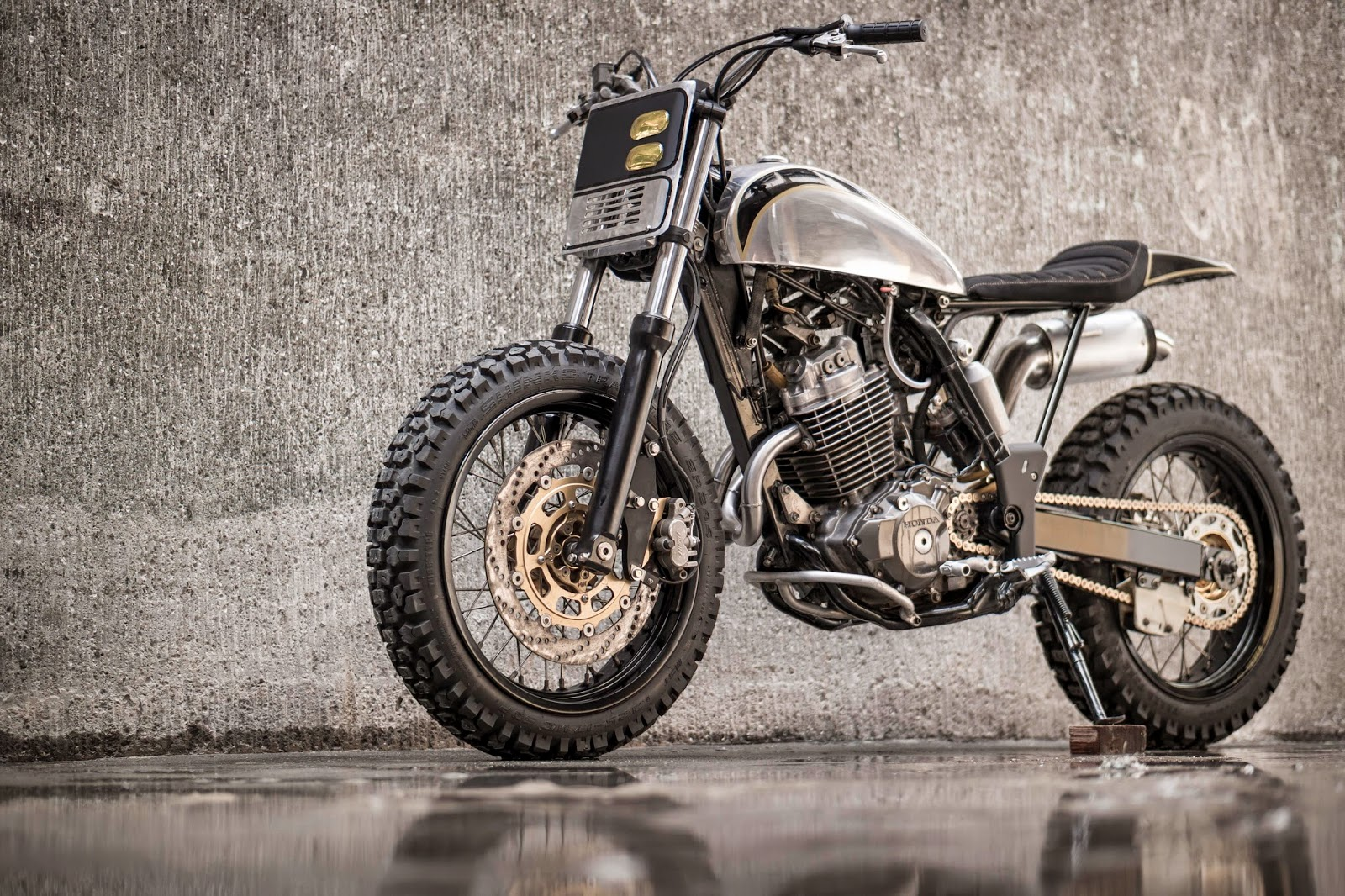 Building A Cafe Racer From A Dirt Bike