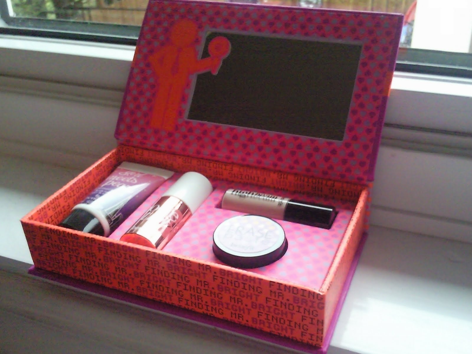 Makeup And Art Freak April 2011