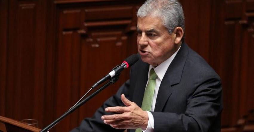 Referéndum para NO reelección de Congresistas tiene que ser el 9 de diciembre, sostuvo el presidente del Consejo de Ministros, César Villanueva