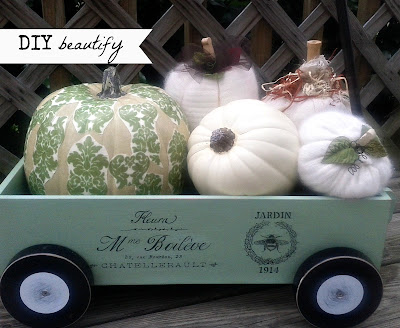How to Update a Toy Wagon with Paint and Add a French Graphic www.diybeautify.com