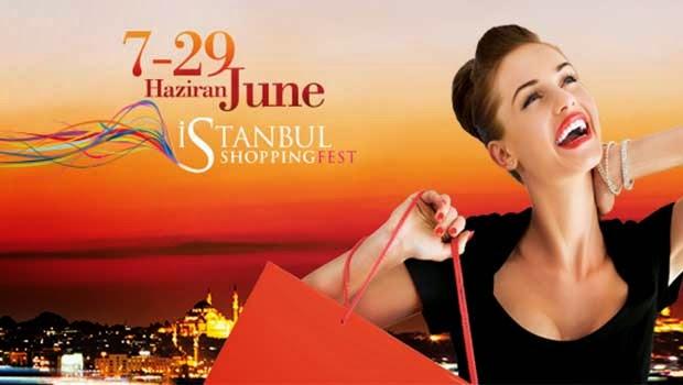 Cette femme n a plus d argent, mais elle est heureuse grâce à Istanbul  Shopping Fest apparemment...  ) 78e328a48522