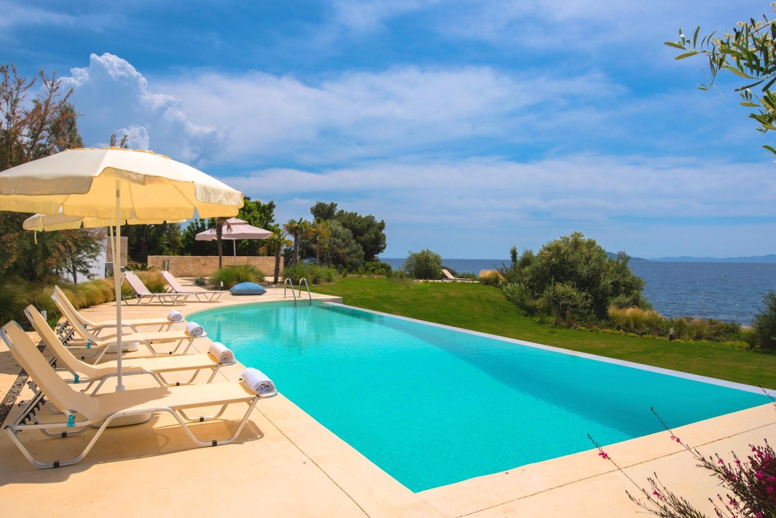 Halkidiki Real Estate Services: Beachfront villas for sale