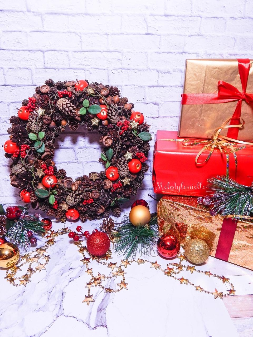10 prezenty z okazji Bożego Narodzenia w świątecznym klimacie tradycyjne wieńce świąteczne deco bazar pomysł na przent dla babci dziadka pod choinkę ozdoby świąteczne do domu pracy biura na gwiazdkę