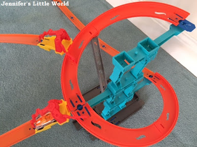 Hot Wheels Spiral Stack Up set review