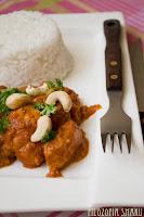 (Orzechowe curry z kurczaka