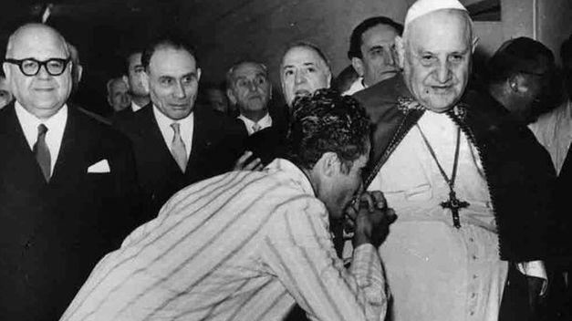 La prostituta de purpura y escarlata Juan-XXIII-Papa-bueno_TINIMA20140425_1194_18