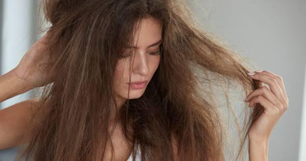 3 Adımda Saçınızı Sütle Düzleştirin