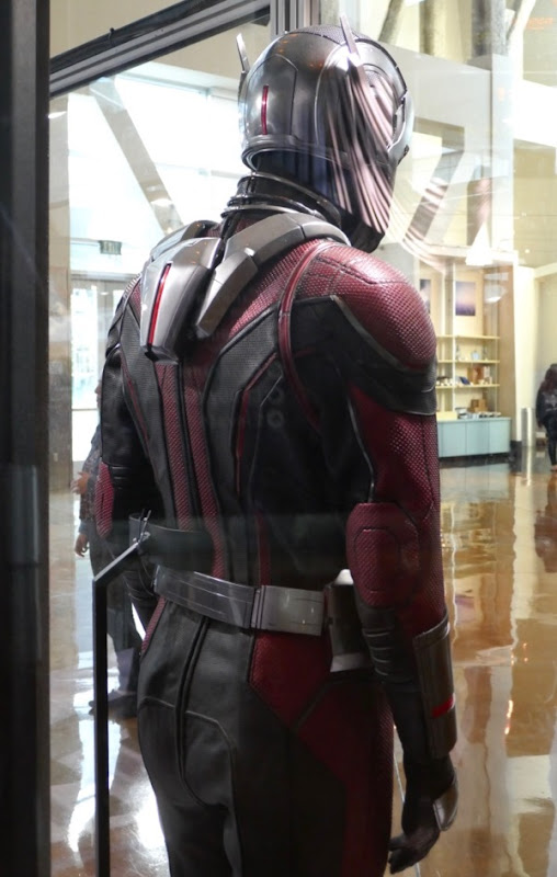Ant-Man 2018 costume back detail