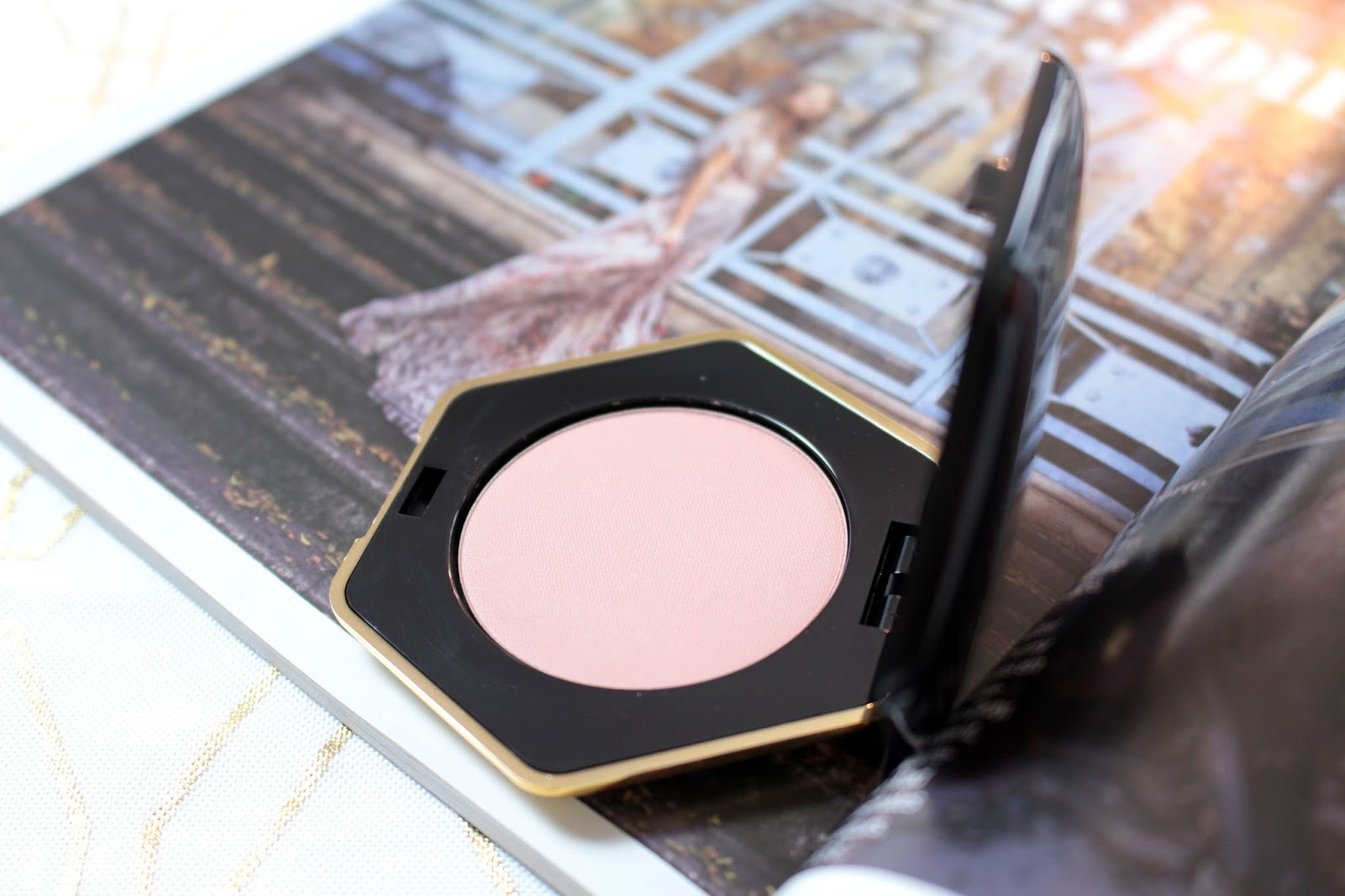 H&M-Beauty-Blush-Cameo-Pink