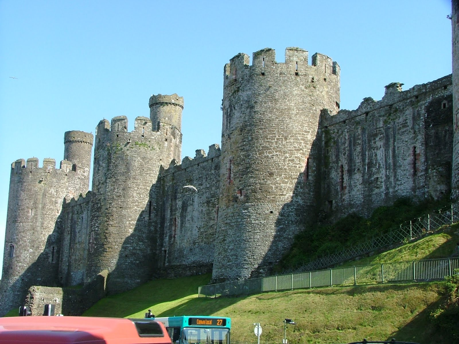Curtain Wall Castle With Round Towers Materials Gopelling Net