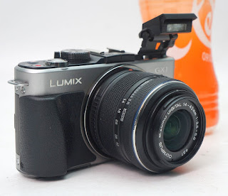 Mirrorless Panasonic Lumix GX1 2nd
