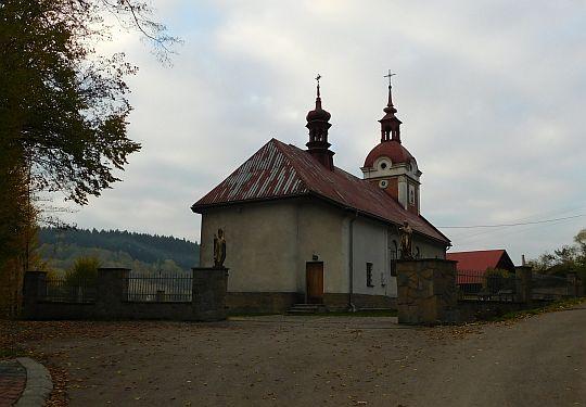 Kościół parafialny w Palczy.