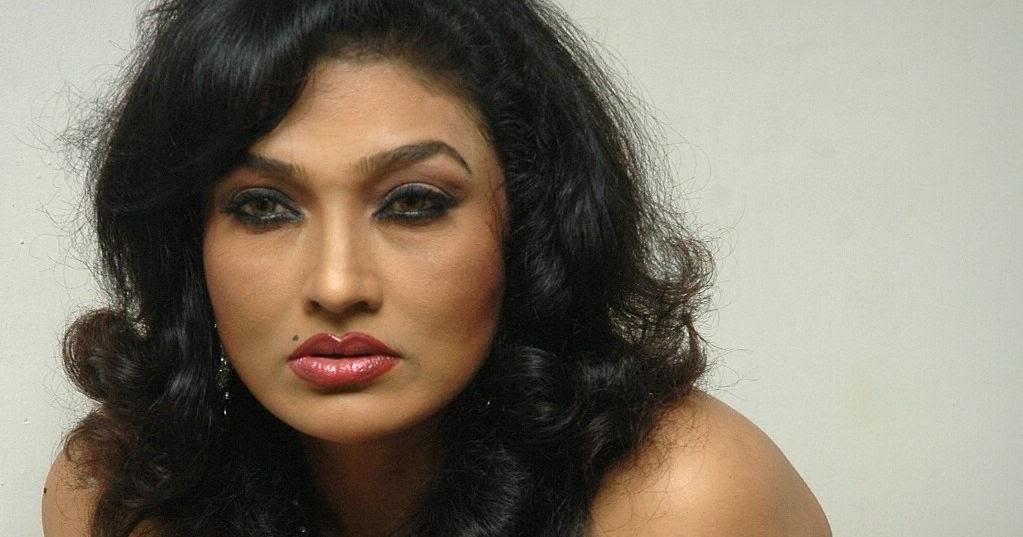 Raima Sen Ramya Sri Telugu Heroine-2053