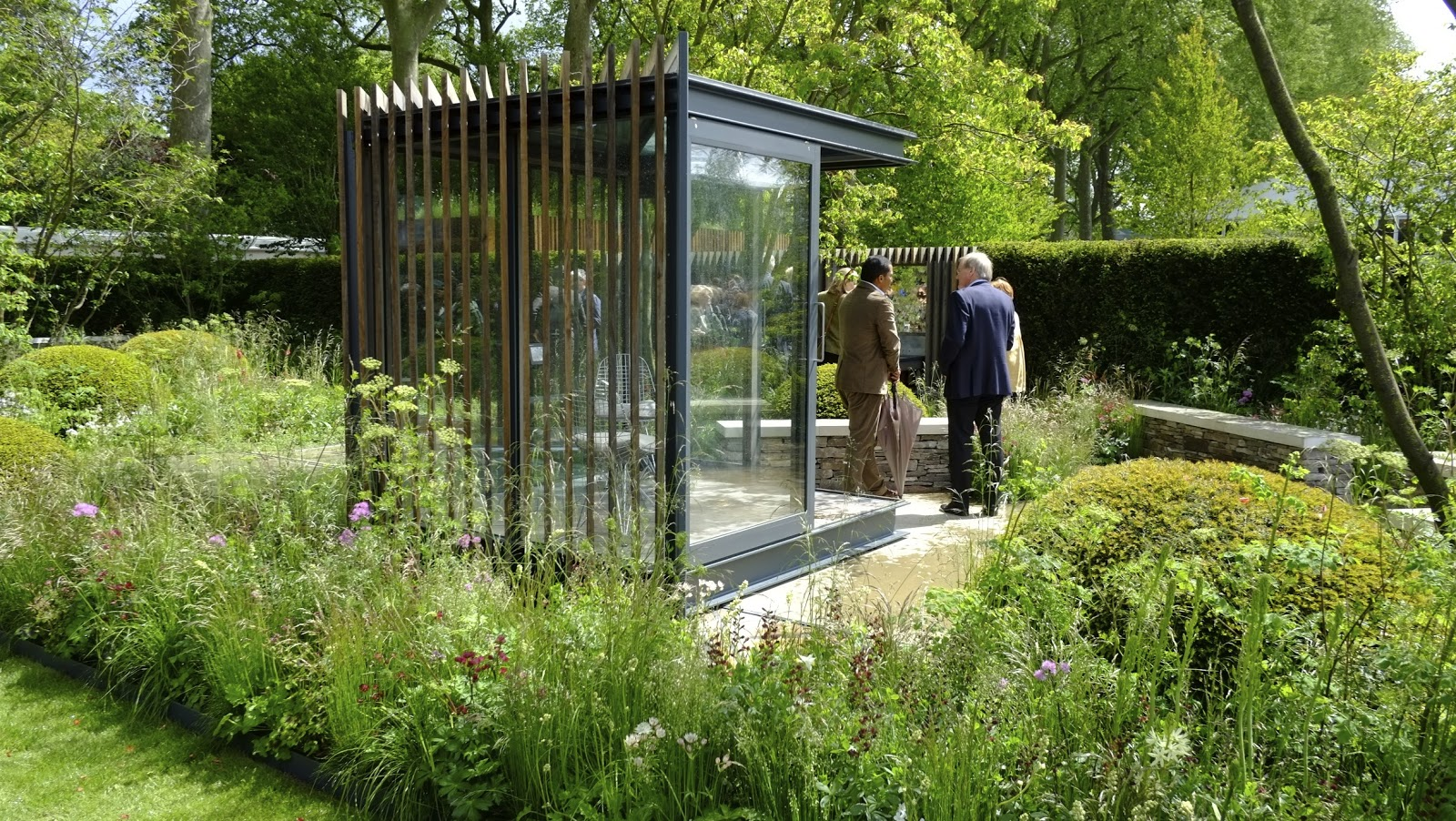 and this is what last years gold winning cloudy bay garden with garden office looked like below
