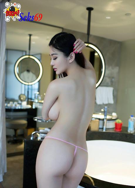 Foto Bugil Hot Cewek China Toket Gede Putih Mulus Bikin Ngaceng