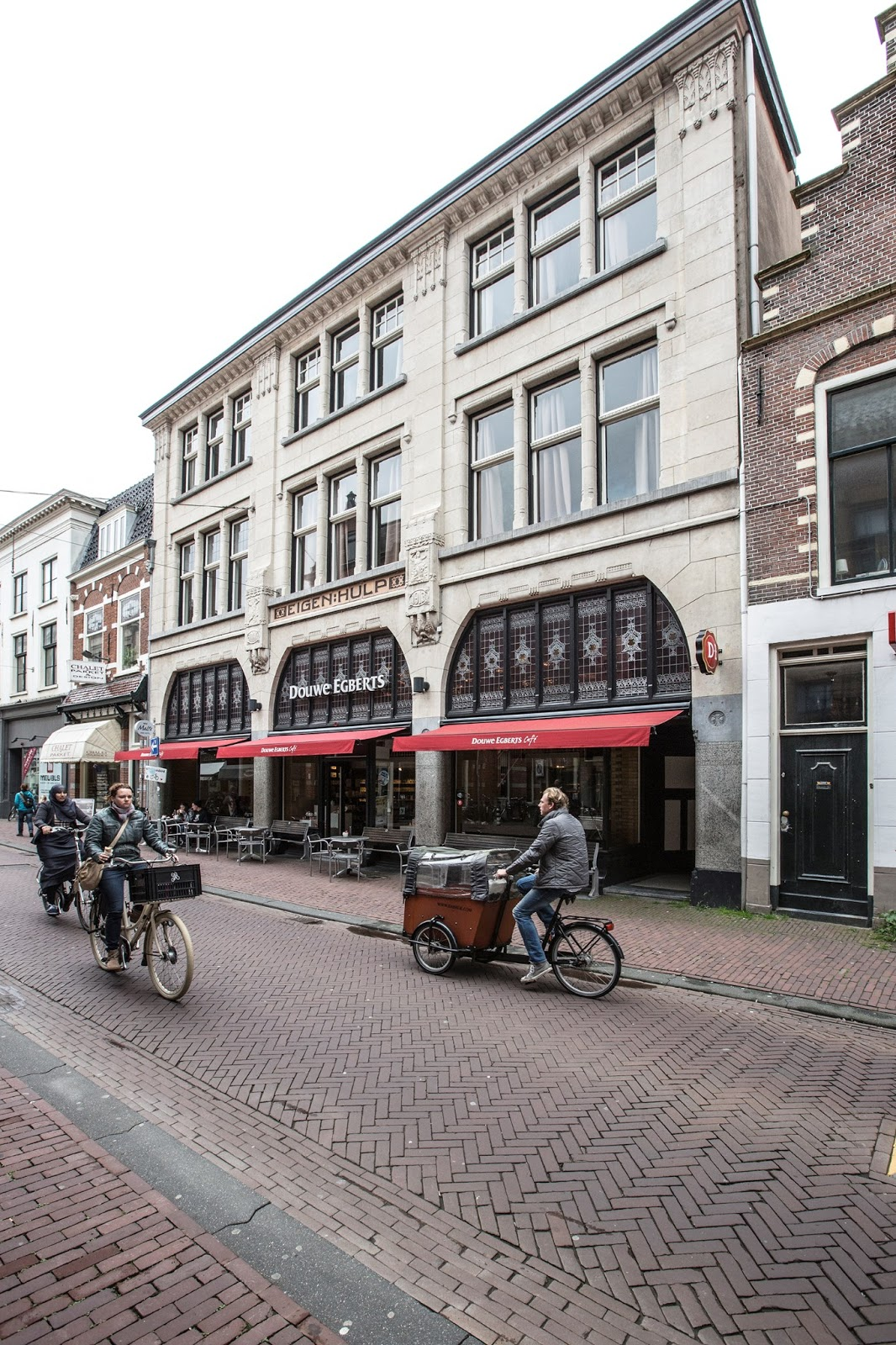 Fotograaf michael van oosten douwe egberts koffie cafe in Interieurarchitecten en interieuradvies amsterdam