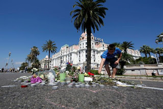 , Thousands of defiant French mourners pack onto Nice promenade for minute's silence following lorry attack, Latest Nigeria News, Daily Devotionals & Celebrity Gossips - Chidispalace