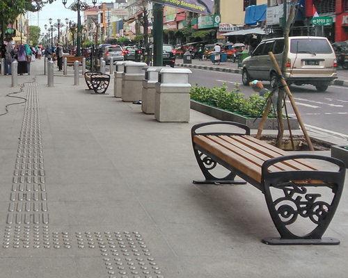 Tinuku Malioboro renewal program in Yogyakarta put aluminum on floor to help visually impaired navigate way