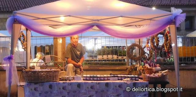 festa della lavanda montombraro fattoria didattica dell ortica confetture marmellate sali aromatici erbe essiccate fusi di lavanda sacchetti di lavanda corone di fiori secchi montombraro zocca nell Appennino
