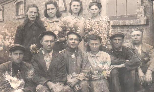 Работники конезавода в селе Степановка, Константиноского района