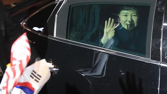 South Korea prosecutors to summon ex-president Park Geun-hye as criminal suspect