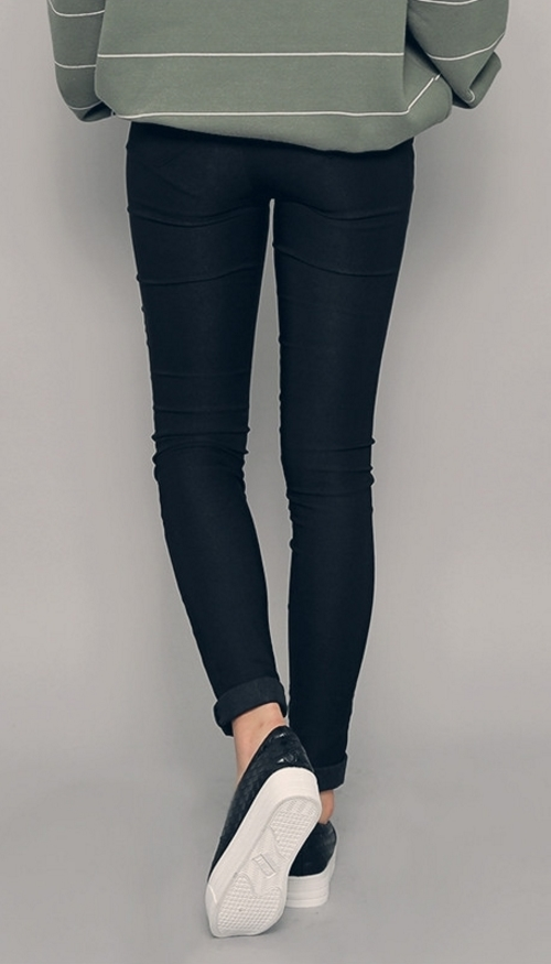 Stretchable Banded Waist Leggings
