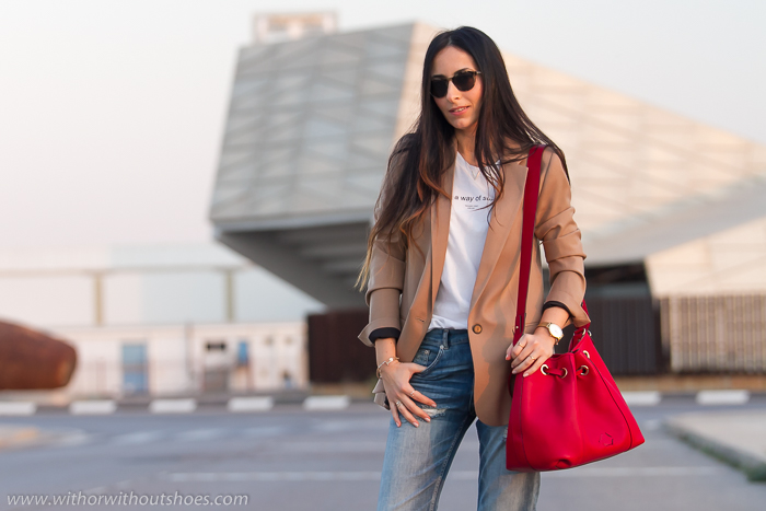 Influencer blogger valenciana famosa de moda