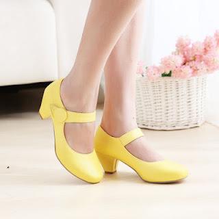 Model Sepatu Wanita Terbaru Modis dan Trendy