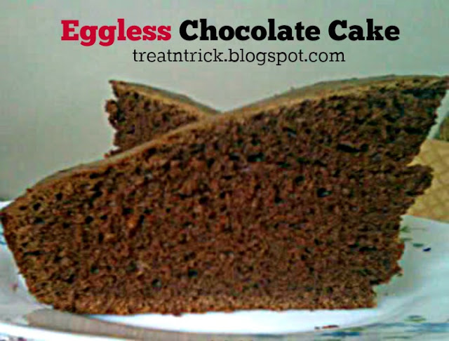 Eggless Chocolate Cake Recipe @ treatntrick.blogspot.com
