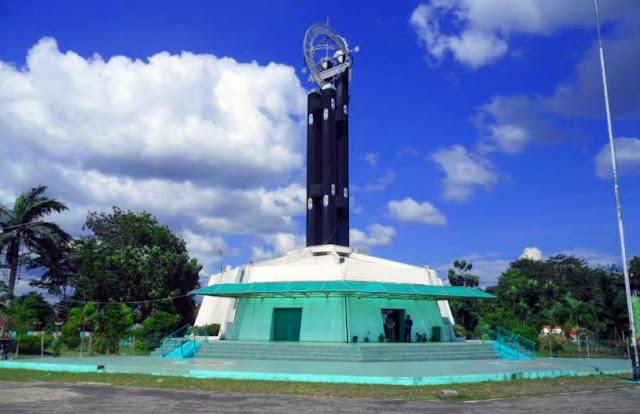 Tugu Khatulistiwa – Pontianak, Kalimantan Barat