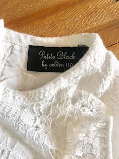 Đầm vải ren Hàn Quốc, made in vietnam, bên trong lót vải cottlon mỏng 100%.