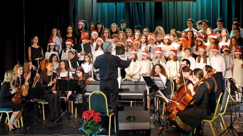 Αλεξανδρούπολη: Εντυπωσιακό το 4ο Χριστουγεννιάτικο Χορωδιακό Φεστιβάλ Νέων