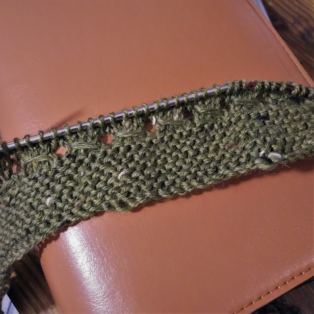knit cowl with Knit Picks Stroll Tweed http://shrsl.com/16y9v